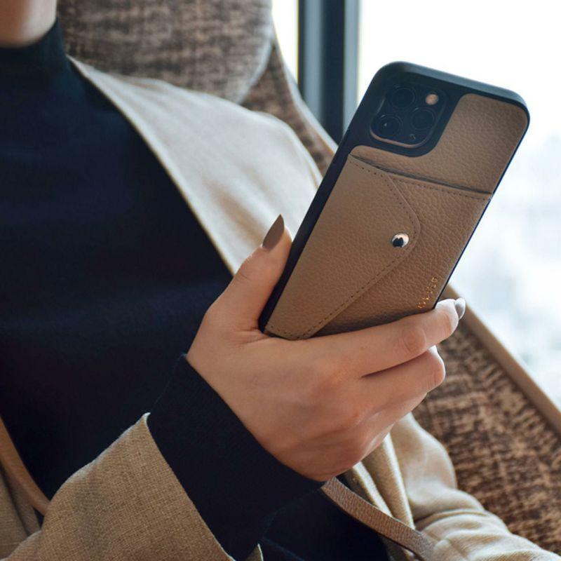 【日本限定】【iPhone 13 Pro】DONNA SIDE SLOT LIGHT TAUPE ドナ サイドスロット ライトトープ
